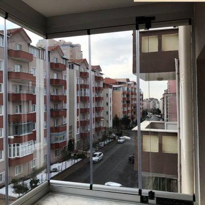 Başakşehir Onur Kent Sitesi Cam Balkon